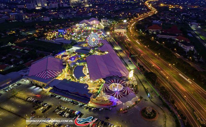 Vẻ đẹp đầy mê hoặc của thành phố Surabaya về đêm
