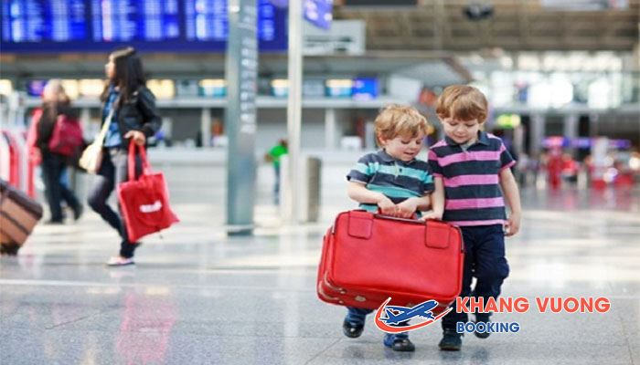 Trẻ em đi máy bay Vietjet Air là trẻ khỏe mạnh và trên 2 tuổi