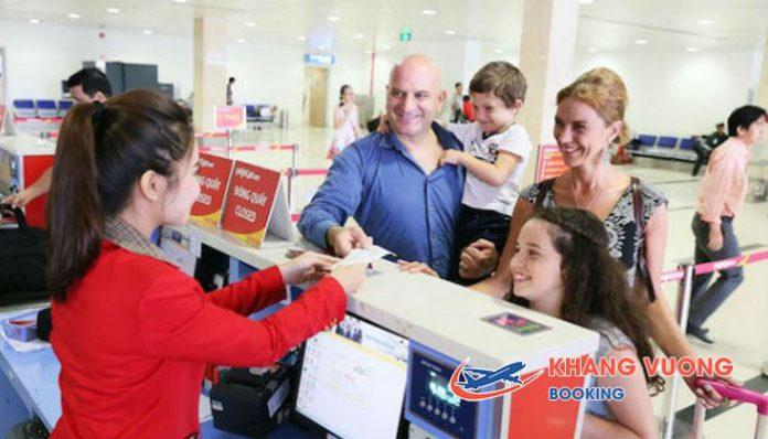 Quy định trẻ em đi may bay Jetstar