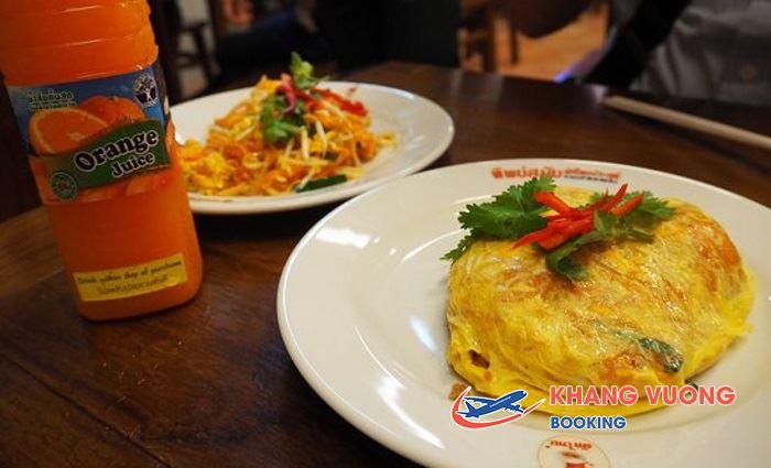Món mì xào nổi danh tại Thip Samai Pad Thai