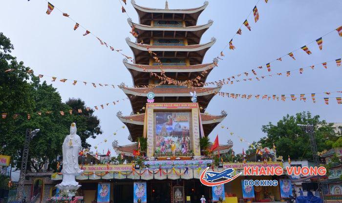 Chùa Việt Nam Quốc Tự là một trong những ngôi chùa linh thiêng tại Sài Gòn