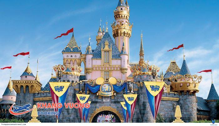 Công viên Disneyland nằm trong khu Resort Hong Kong Disneyland