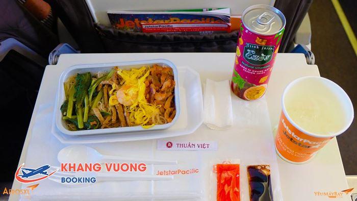 Đồ ăn và nước uống của hãng Jetstar Pacific