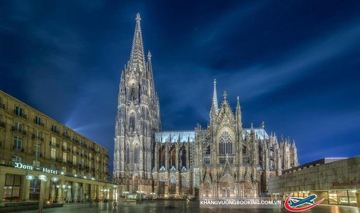 Vẻ đẹp nhà thờ lớn Cologne