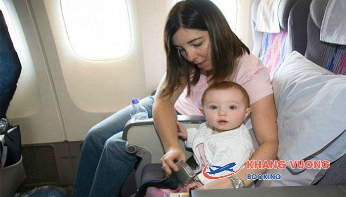 Vietnam Airlines luôn hỗ trợ 1 cách tối đa các dịch vụ cho trẻ khi bay