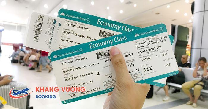 Kiểm tra thông tin khi nhận vé máy bay