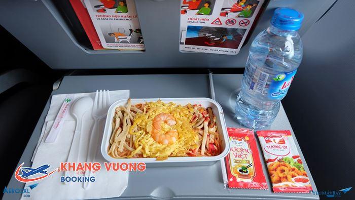Đồ ăn và nước uống của hãng VietJet Air