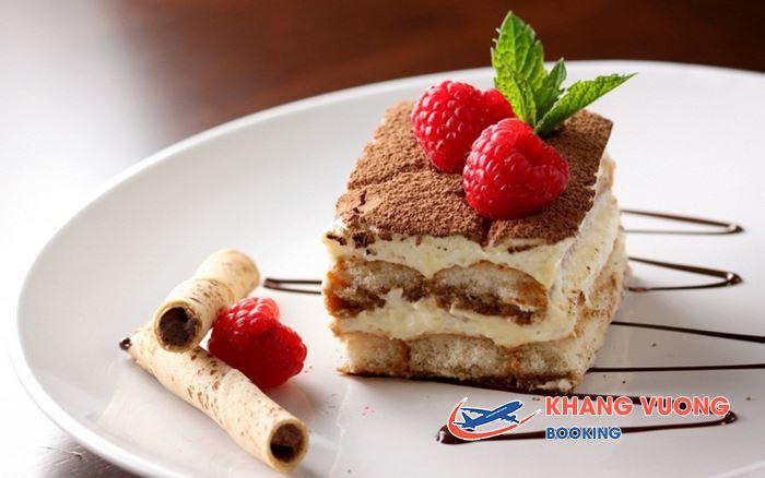 Bánh Tiramisu món bánh đặc trưng Rome
